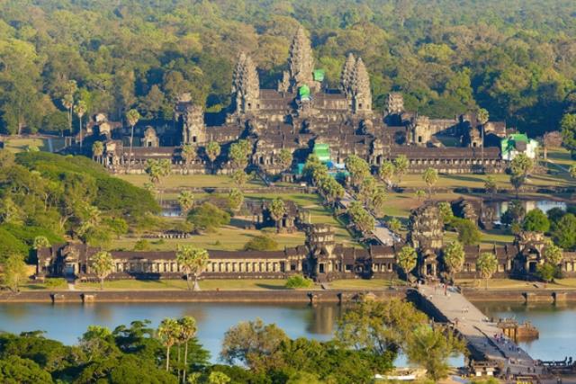 Voyages sur mesure Vietnam - Cambodge 18 jours-angkor-wat