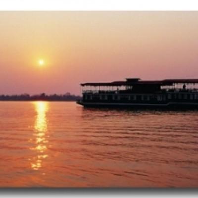 Grand bateau pour la croisière Vietnam- Cambodge sur le Mékong