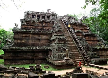 angkor-thom-phimeanakas