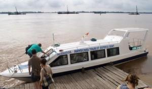 Circuit sud Vietnam Cambodge en 2 semaines-bateau rapide de Hang Chau pour le trajet Saigon - Phnom Penh