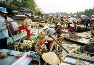 Le marché flottant de Cai Rang à Can Tho, Vietnam