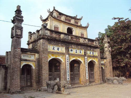 Temple-Phu-Dong