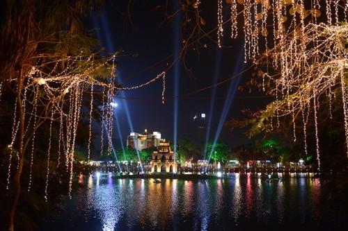 Le lac de l'Epée s'illumine dans la soirée