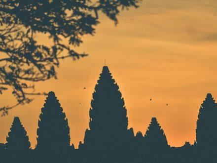 à la chute du jour, Angkor porte le visage exceptionnel