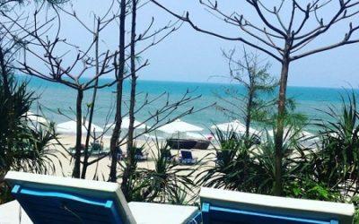 Bancs sur la plage d'An Bang Seaside Village famille d'accueil Hoi An