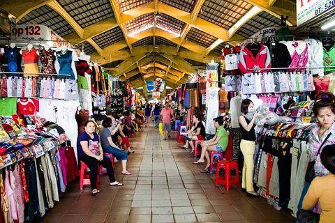 Faire du shopping au marché Ben Thanh