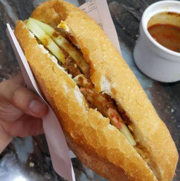 sandwich dans la rue hue - gastronomie vietnam