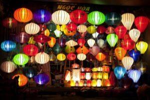 atelier artisanal de Hoi an - voyage sur mesure vietnam